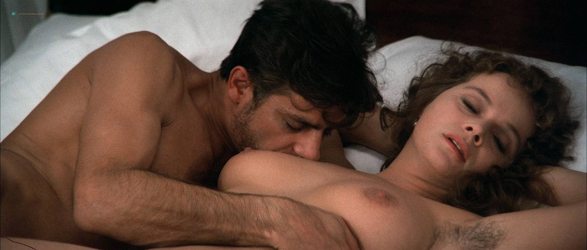 Cinzia roccaforte and lisa comshaw nude from la iena - 3 part 9