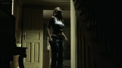 Jessica Biel hot see throuh - The Texas Chainsaw Massacre (2003) HD 1080p BluRay (3)