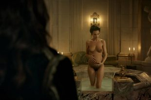 Anna Brewster nude full frontal - Versailles (2017) s2e1 HD 1080p (9)