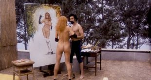 Angelique Pettyjohn nude butt and Liza Minnelli nude butt too - Tell Me That You Love Me Junie Moon (1970) (4)