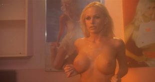 Katie Lohmann nude topless Cameron Richardson and Boti Bliss hot and sexy - Dorm Daze (2003) HD1080p BluRay (15)