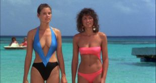 Carey Lowell hot cleavage in swimsuit and Twiggy some pokies - Club Paradise (1986) HD 1080p WEB (5)