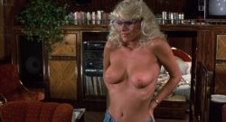 Michelle Pfeiffer nude butt Sue Bowser and other's nude topless - Into the Night (1985) HD 1080p BluRay (16)
