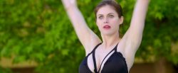 Alexandra Daddario hot sex doggy style Kate Upton hot cleavage - The Layover (2017) HD 1080p Web (13)