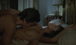 Anne Parillaud nude full frontal Marie-Christine Descouard bush and Andréa Ferréol topless - Le battant (FR-1983) (2)