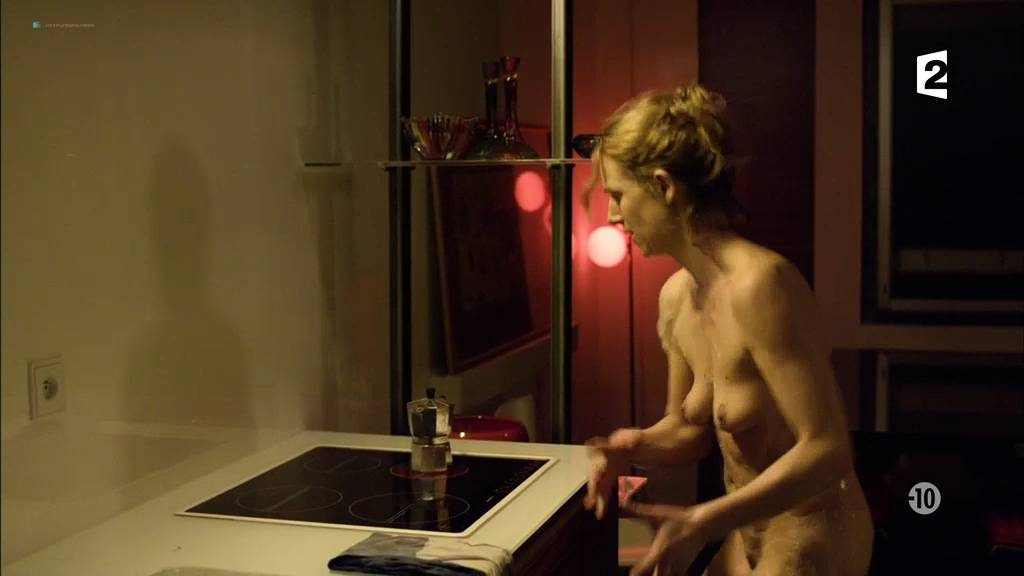 Camille Panonacle nude full frontal - Hiver Rouge (FR-2011) HDTV (3)