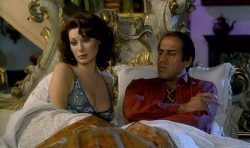 Edwige Fenech nude brief topless - Asso (IT-1981) HD 1080p BluRay (10)
