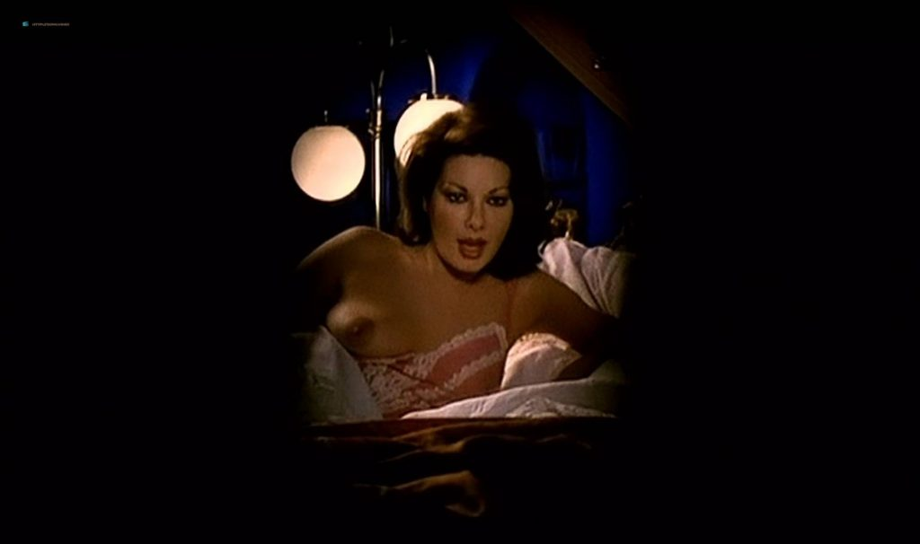 Edwige Fenech nude brief topless - Asso (IT-1981) HD 1080p BluRay (5)