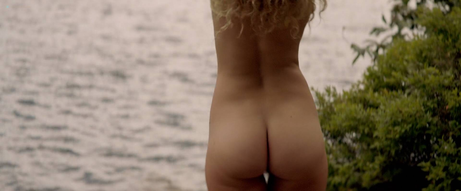 julia butt and nude