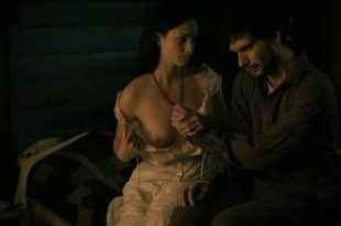 Laurence Leboeuf nude butt topless and sex - Le torrent (FR-2010) (8)