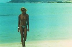 Olivia Pascal nude bush Bea Fiedler nude full frontal other's nude - Die Insel der tausend Freuden (DE-1978) (7)