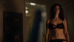 Emmy Rossum hot and sexy in lingerie - Shameless (2017) s08e01 HD 1080p Web (9)