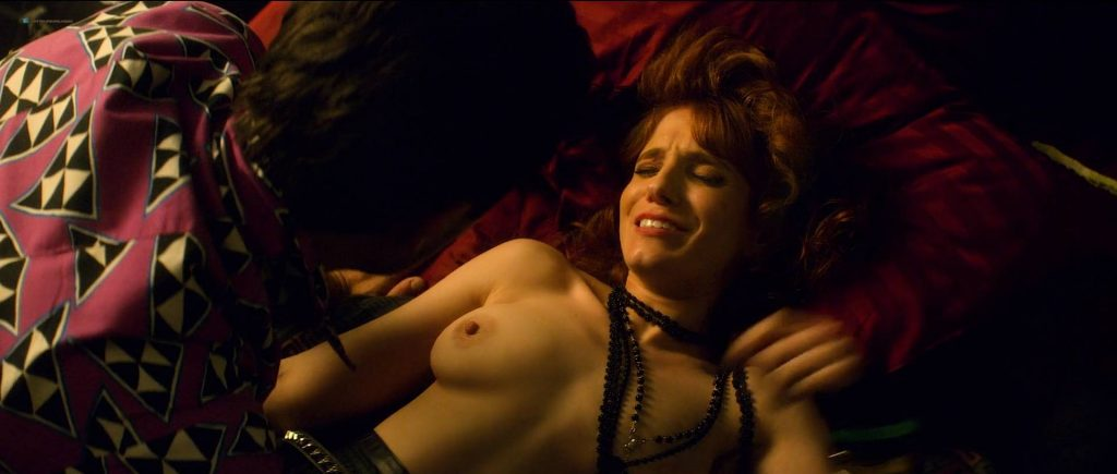 Gwen Hollander nude topless and sex - Future Man (2017) s1e10 HD 1080p WEB (5)