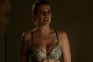Sarah Dumont hot and sexy - Serpent (2017) HD 1080p WEB (8)