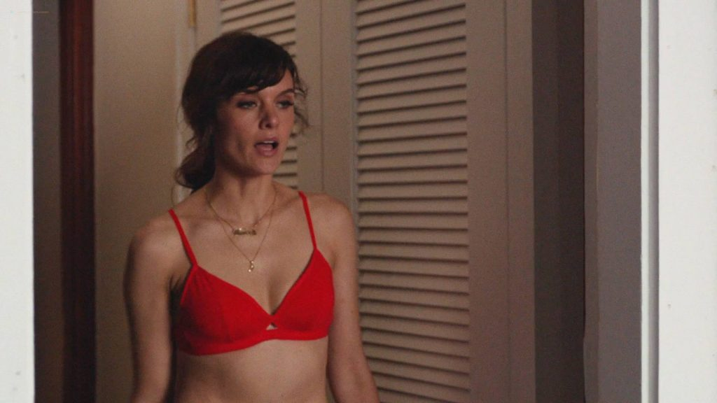 Frankie Shaw hot in lingerie and Raven Goodwin lingerie too - Smilf (2017) s1e5 HD 1080 Web (3)
