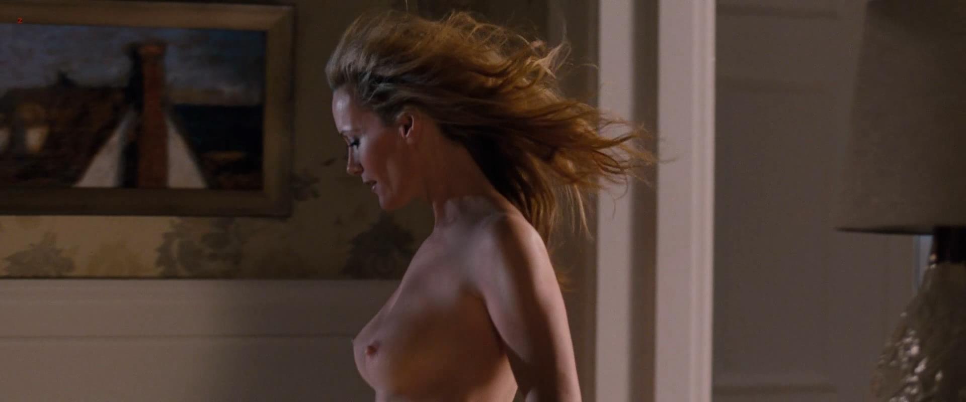 lesley mann naked