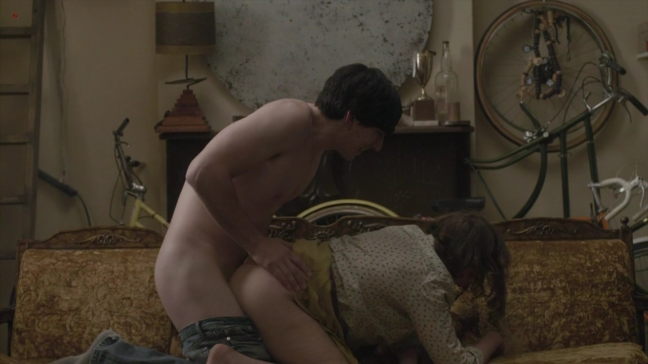 Lena Dunham butt naked and sex doggy style – Girls s1e1 hd720p