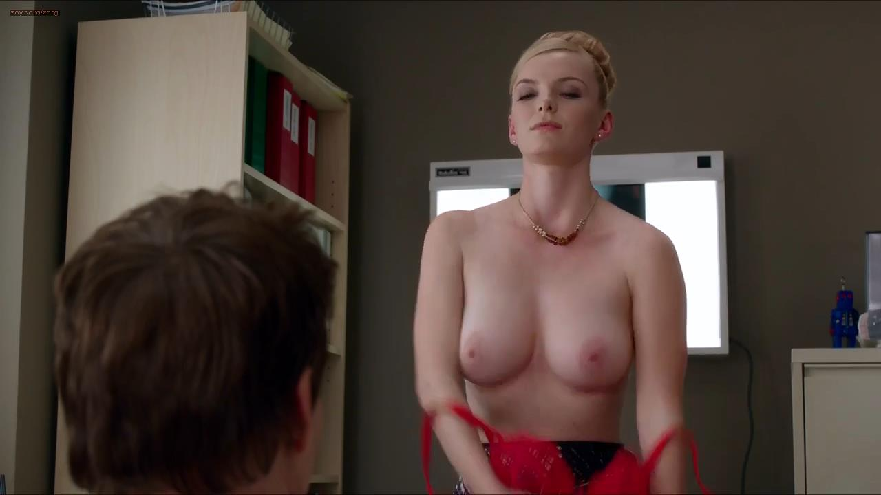 Betty Gilpin stripping to nude topless and then goes for oral – Nurse Jackie (2013) s05e05 hd720p w/slow motion