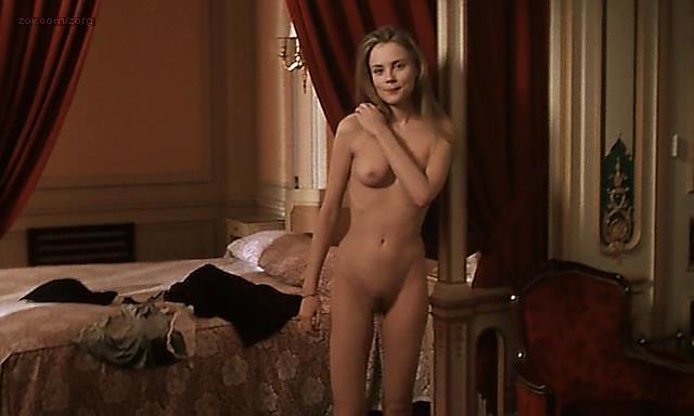 Rebecca Romijn Nude Full Frontal Rie Rasmussen Nude -2024