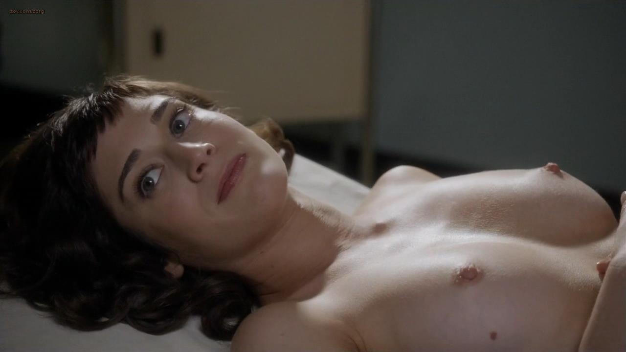 lizzy caplan sex nude