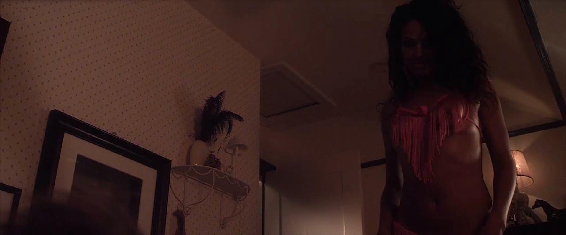 Nude girlfriend hot tub