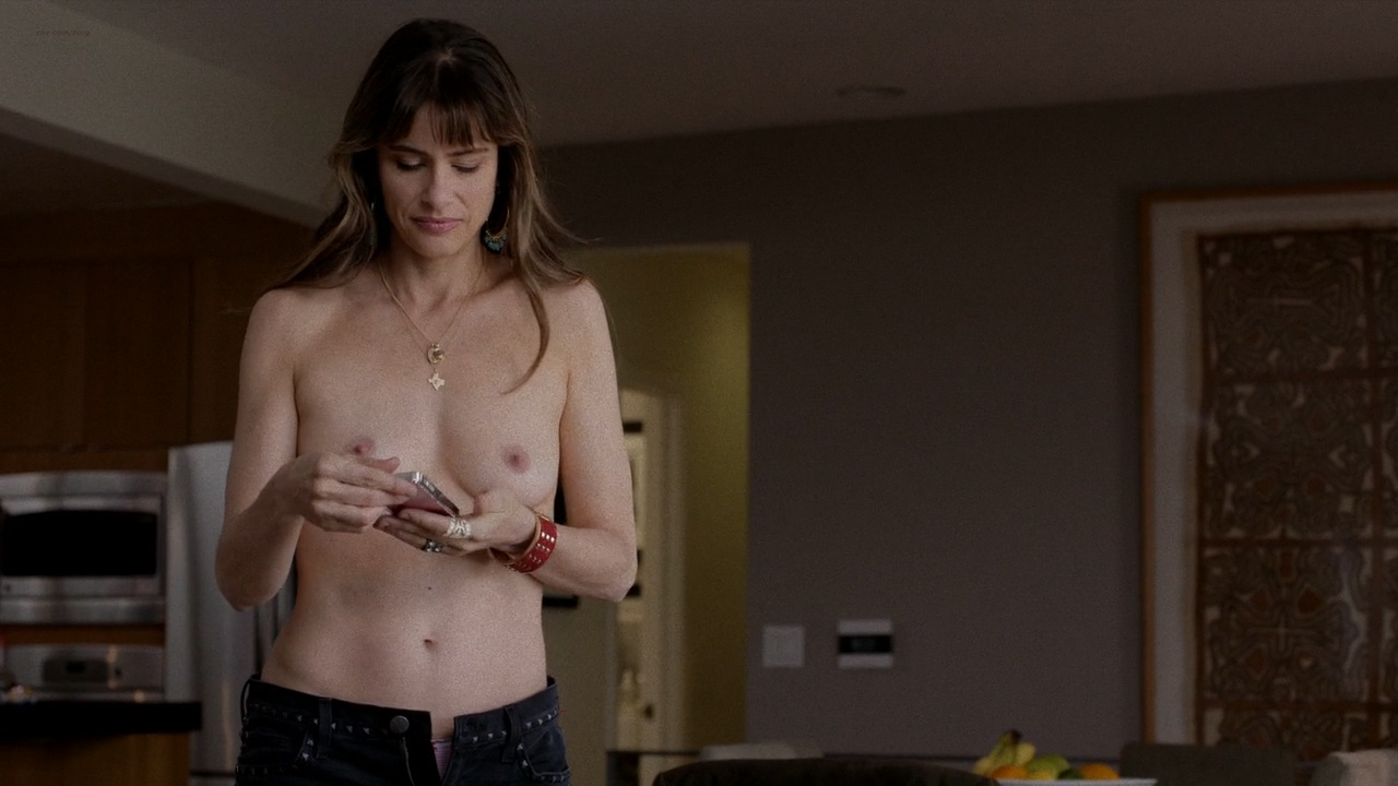 nude pictures of amanda peet