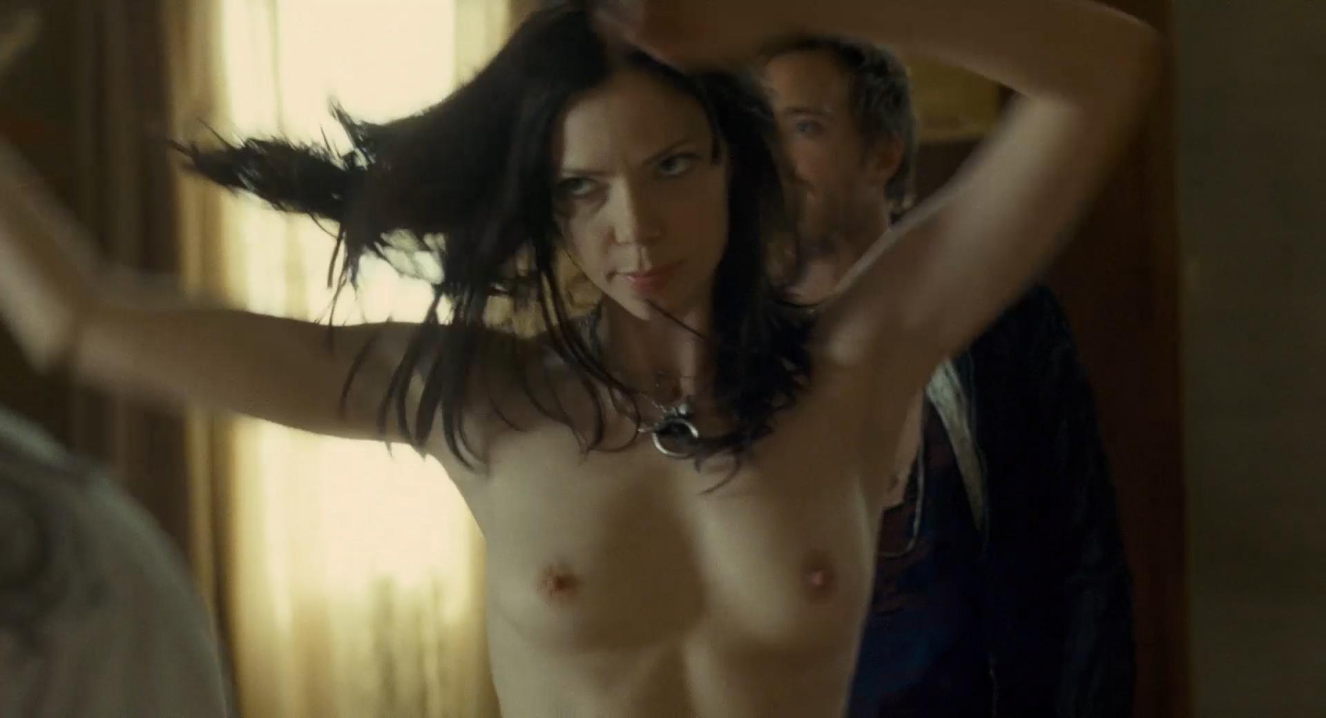 sarah paxton nude