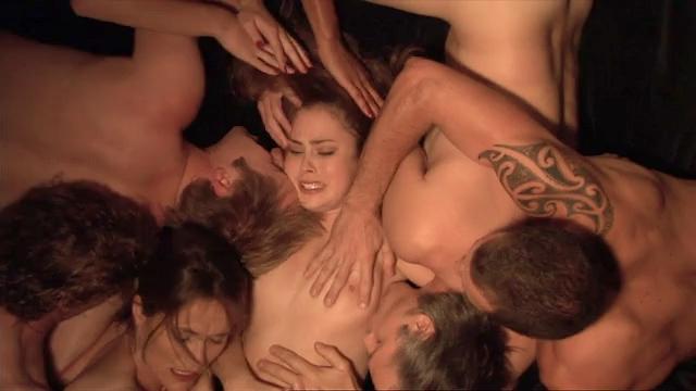 Hutchinson nude sarah