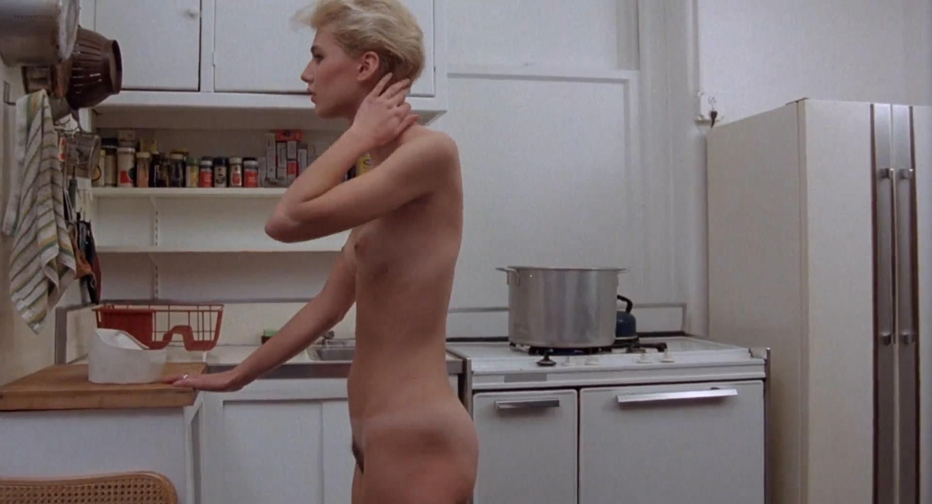 Stars Amanda Baker Nude Pic