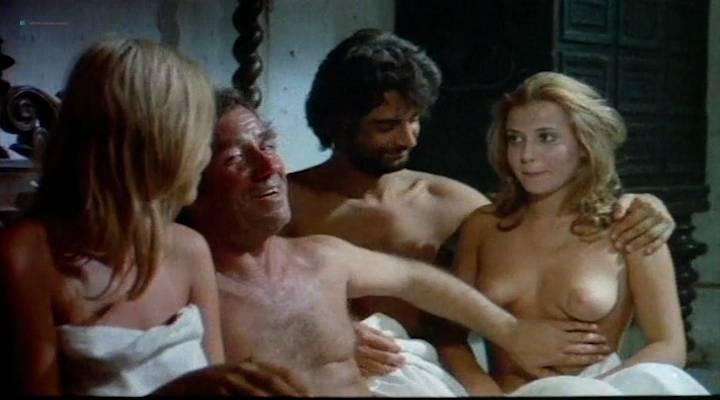 petit naked women