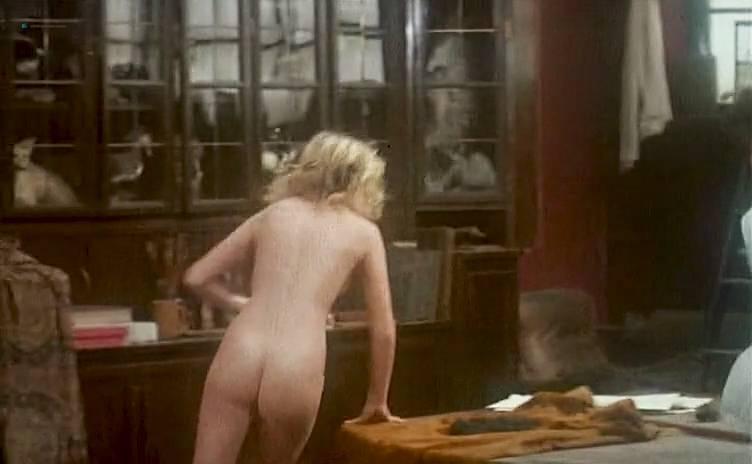 Frau 40 nackt