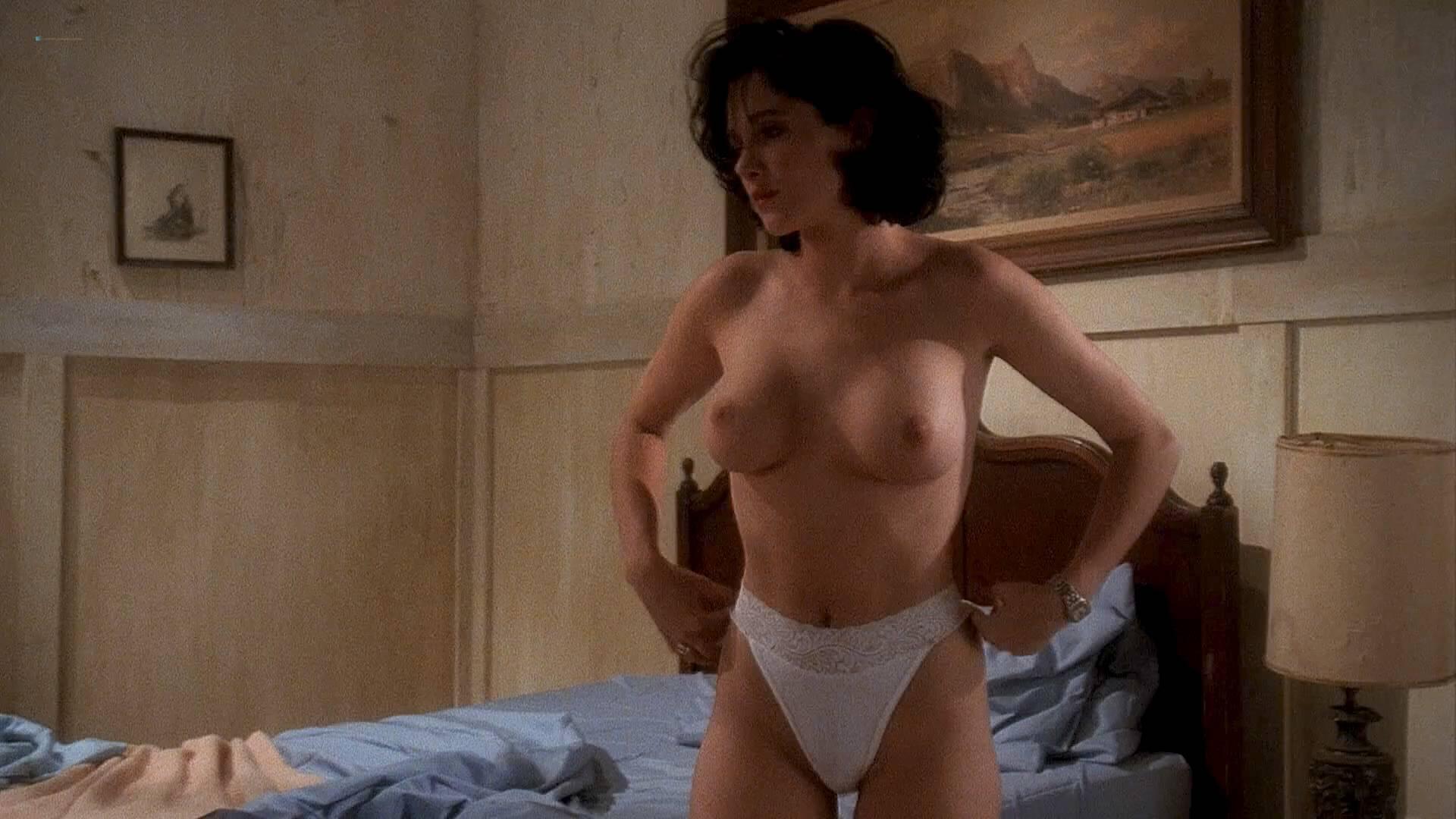 zoe mclellan ever nude