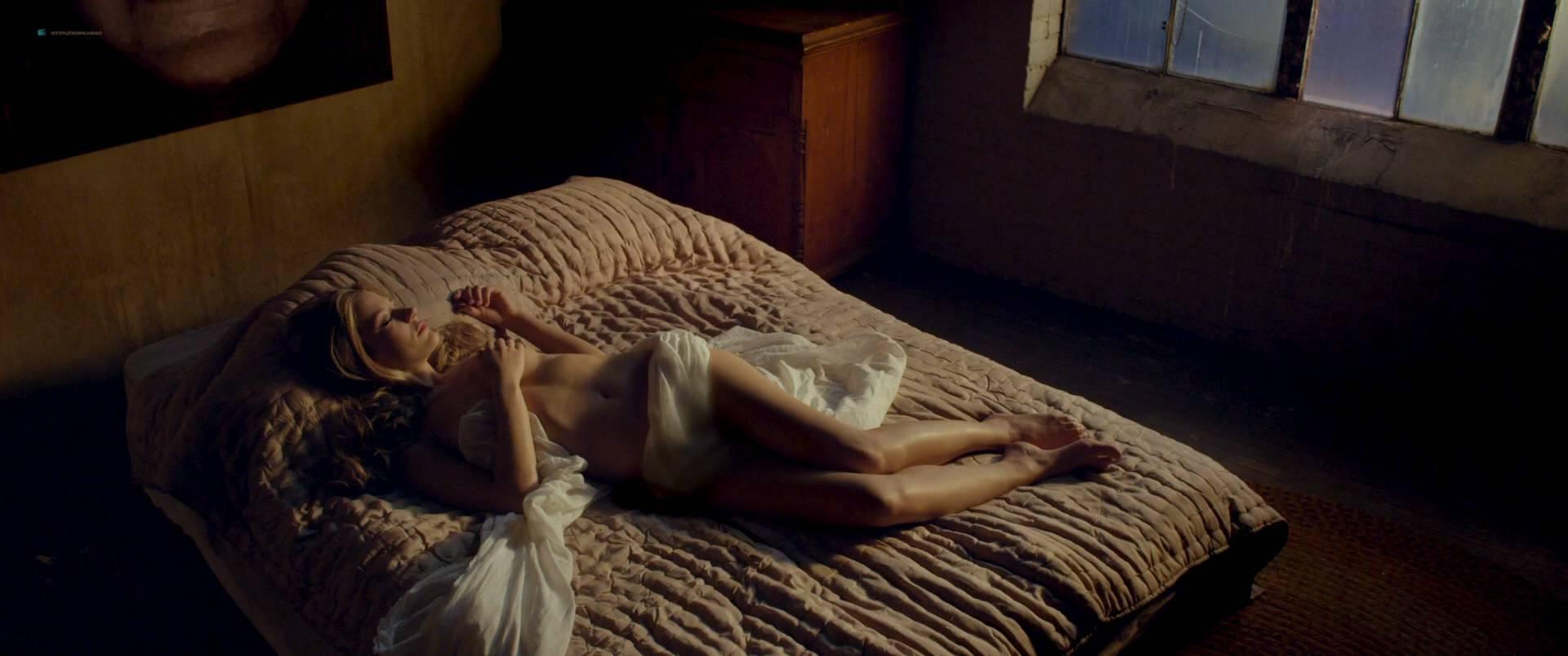 hot nude pics of sarah roemer