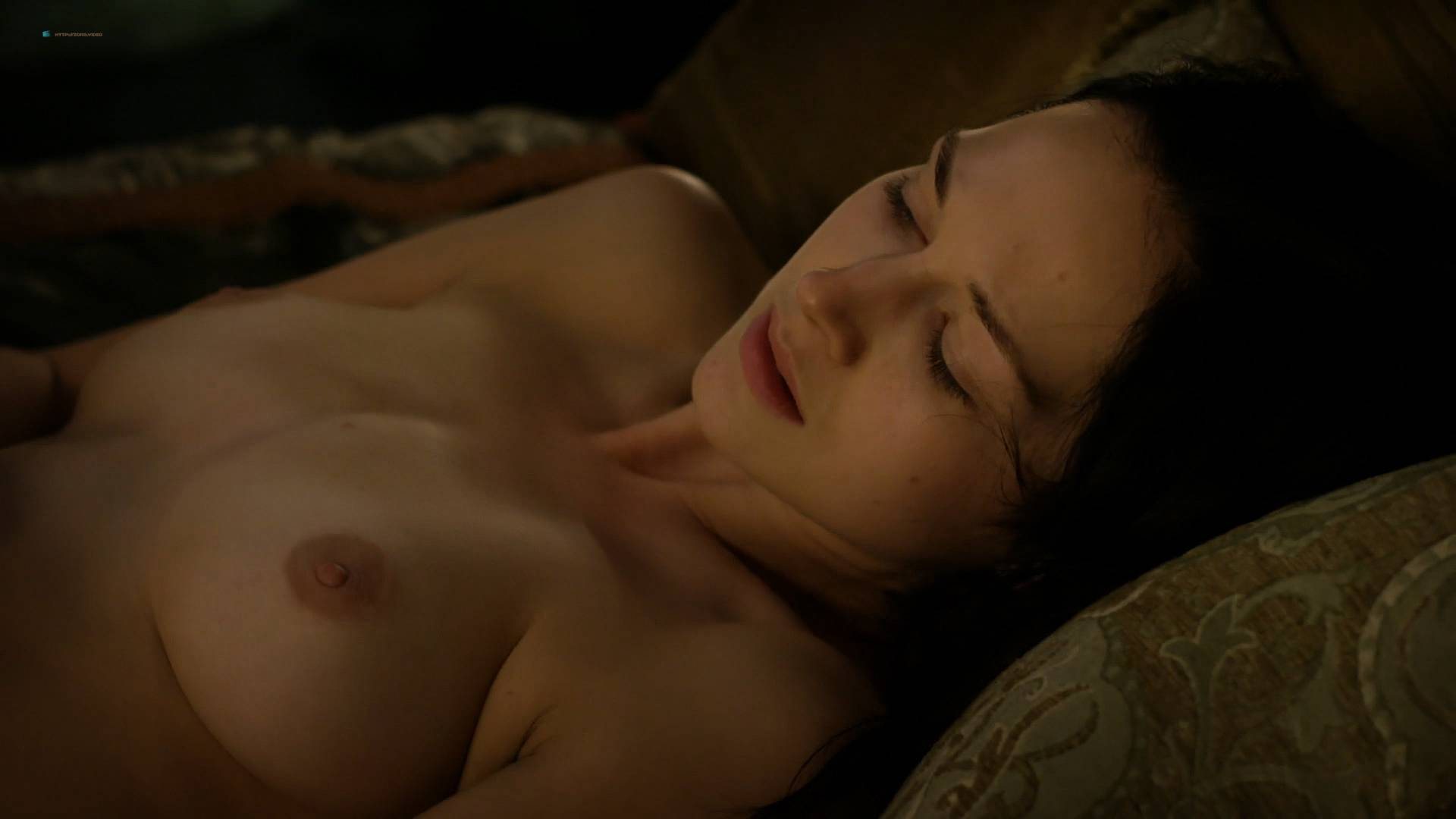 Nude hannah wells