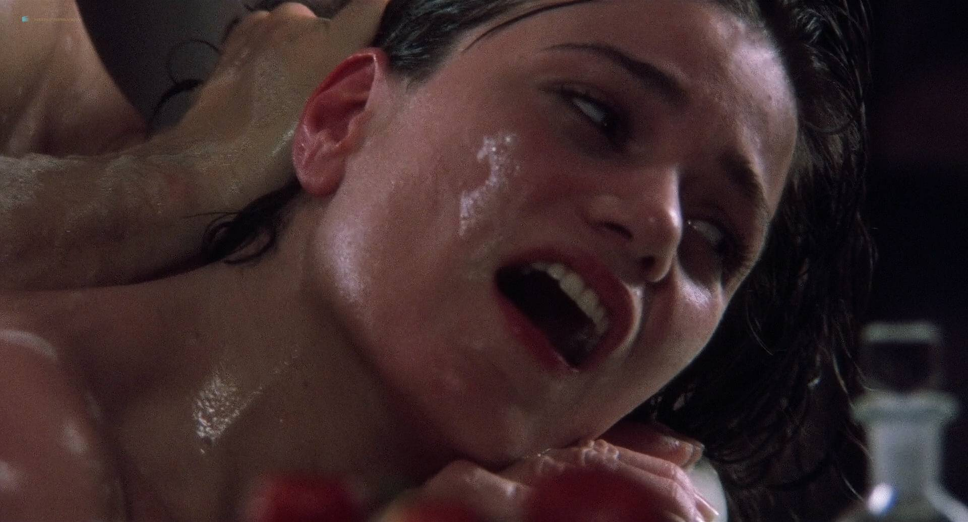 Free Preview Of Linda Fiorentino Naked In Last Seduction