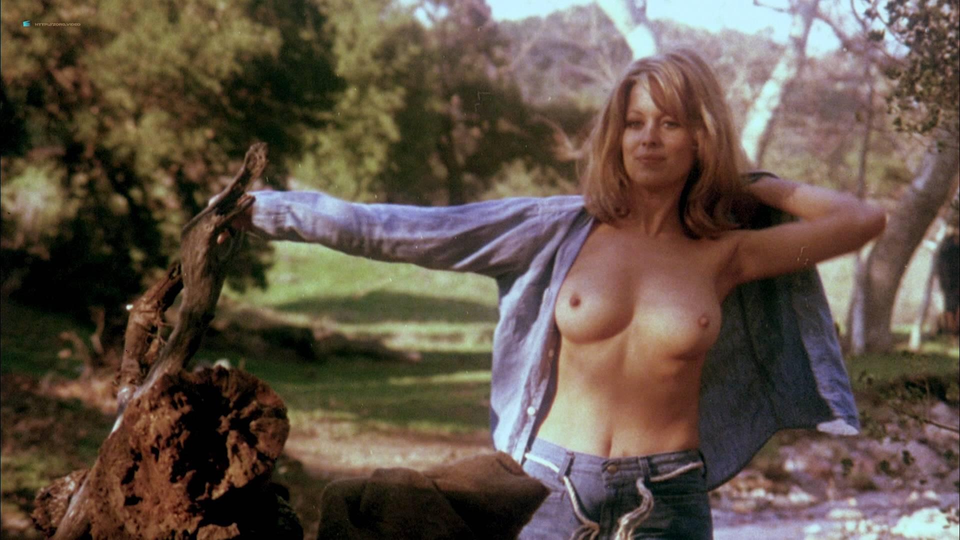 maria bello breast nipples
