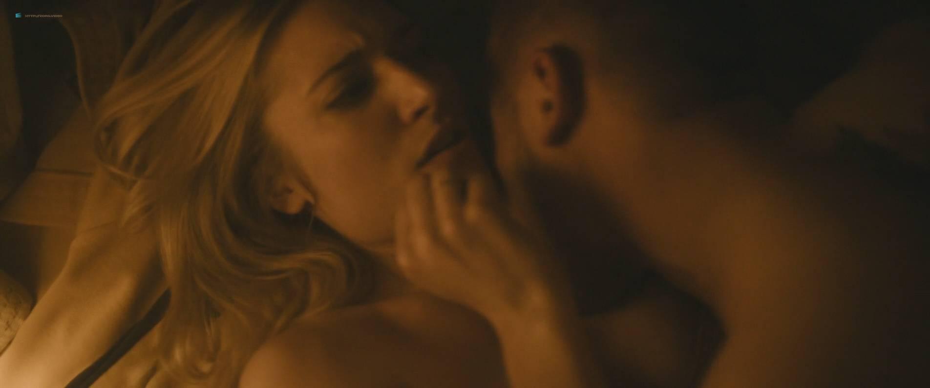 Ksenia Solo Nude Topløs Jenna Kramer Nude Andre Hoy And Nude - jagten på Fellini 2017 Hd-2865