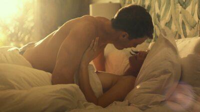 Alexandra Daddario nude side boob Sydney Sweeney Brittany OGrady hot The White Lotus 2011 s1e2 1080p Web 8